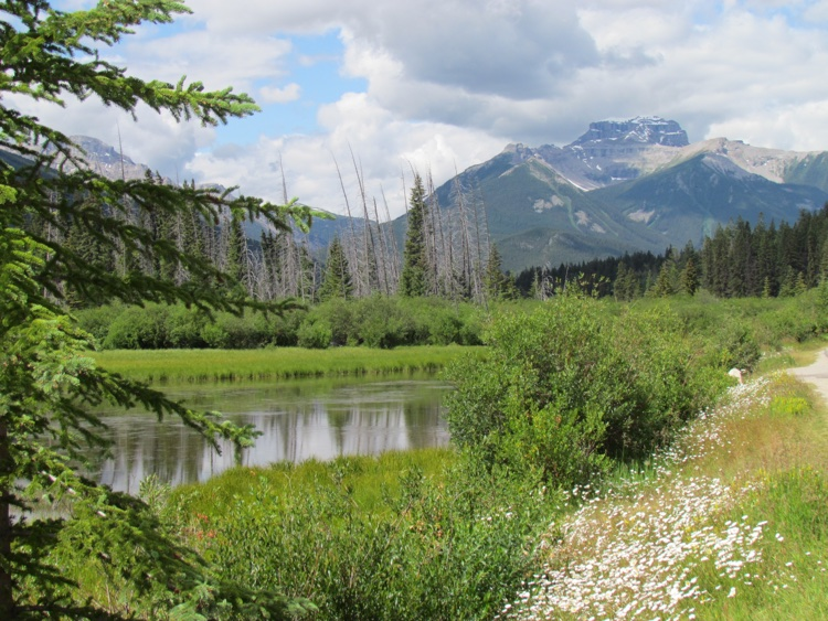 itinerary-canada-mountain-view