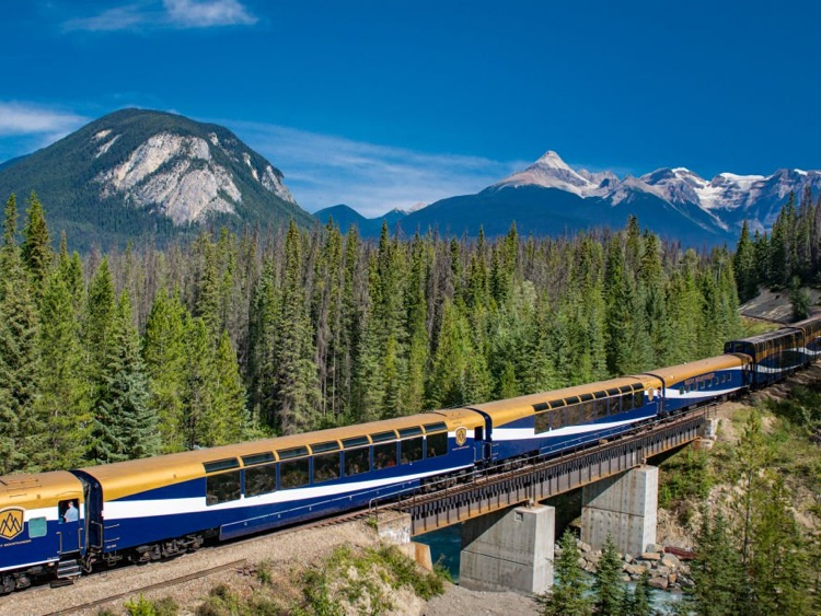 itinerary-canada-rock-mountaineer