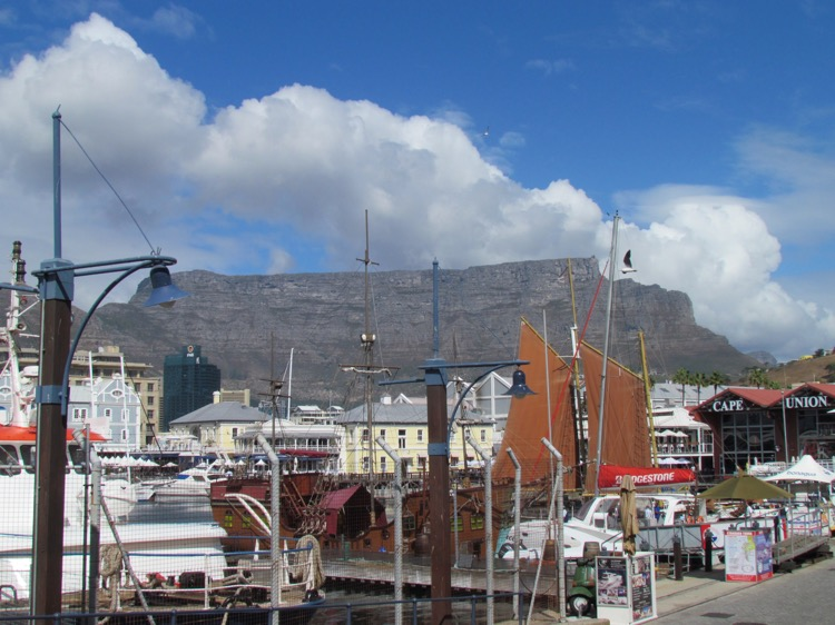 south-africa-capetown-harbour
