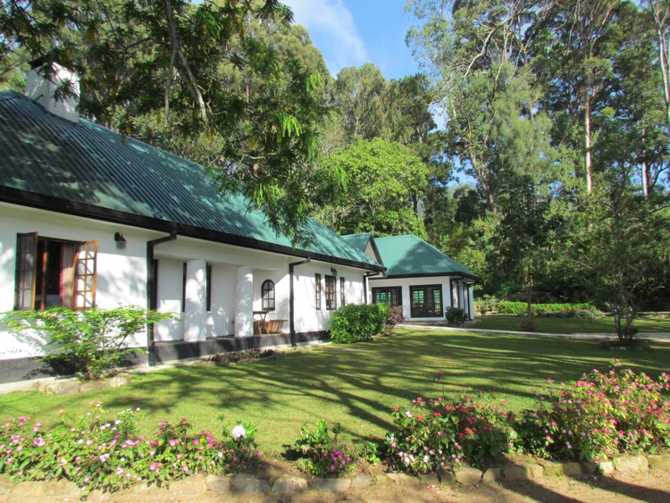 sri-lanka-tea-bungalow
